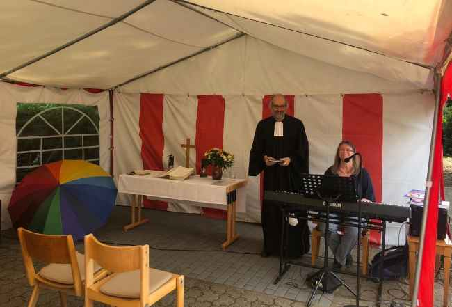 Read more about the article Letzter Gottesdienst im Zelt